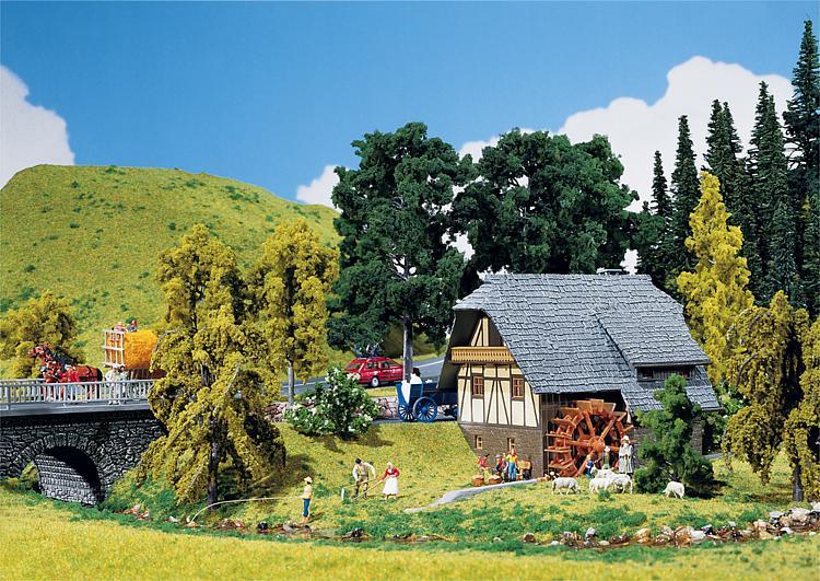 Csn faller 130387 piccola casa della foresta nera for Foto della piccola casa