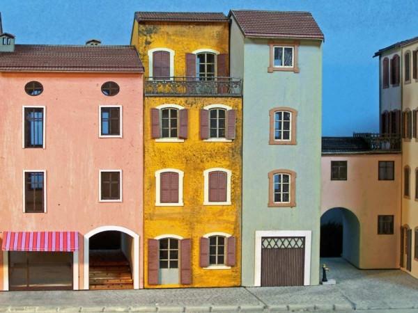 Csn mkb h0 527 casa piccola con balcone stile ligure for Stile piccola casa
