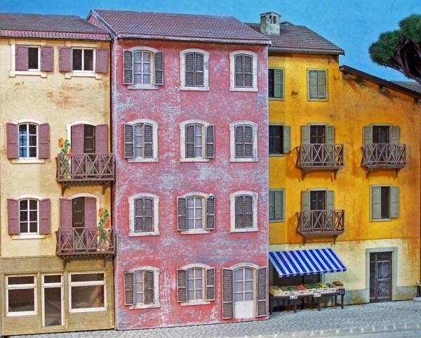 Csn mkb h0 528 casa piccola stile ligure case varie for Stile piccola casa